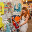 Tila Tequila, enceinte, fait du shopping pour bébé, le 12 mai 2014