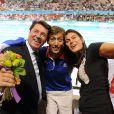 William, compagnon de Camille Muffat, entouré de Christian Estrosi et Valérie Nicolas, heureux de la médaille d'argent de la nageuse aux JO de Londres le 31 juillet 2012, deux jours après son sacre. La nageuse a annoncé le 12 juillet 2014, dans L'Equipe, sa retraite sportive, à 25 ans seulement.