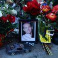 Des hommages à Paul Walker sur le lieu où l'acteur a perdu la vie, Valencia, Los Angeles, le 8 décembre 2013.