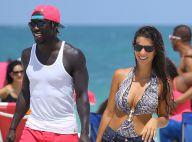 Bacary Sagna et sa belle Ludivine : Amoureux et câlins sur la plage à Miami