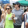Ian Somerhalder et Nikki Reed font du shopping au marché de Studio city, à Los Angeles, le 20 juillet 2014.
