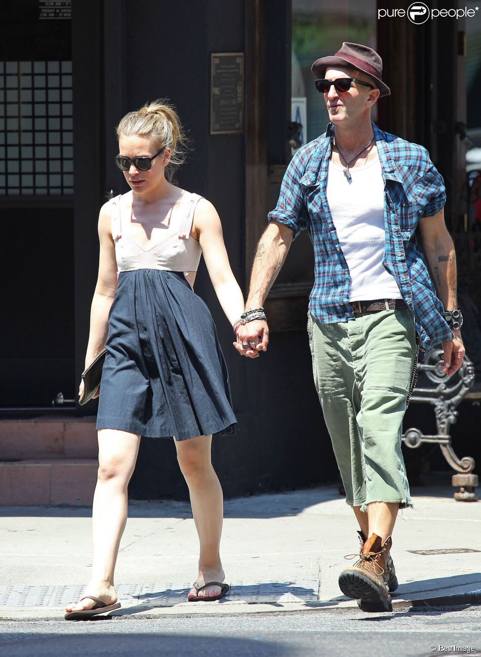 Piper perabo and husband stephen kay married since 2014 without is perabo pregnant junglespirit Choice Image