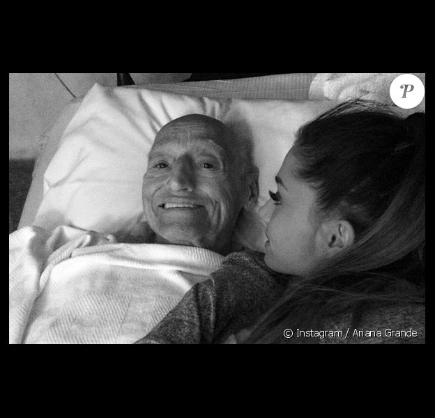 La jeune chanteuse Ariana Grande a perdu son grand-père, décédé mardi 22 juillet 2014.