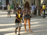 Sylvie Van der Vaart : Maman sexy à Saint-Tropez, entre plage et pétanque