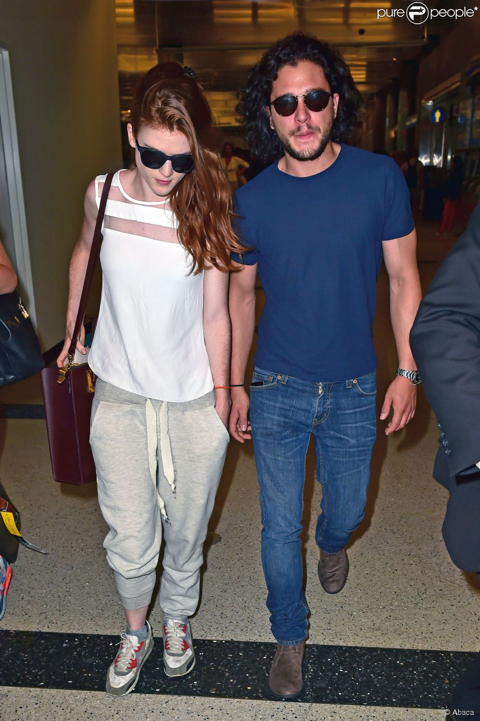 Kit Harington et Rose Leslie : Les héros de Game of Thrones, à l'aéroport de LAX, Los Angeles, le 23 juillet 2014