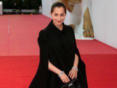 PHOTOS : Amira Casar continue son défilé de mode à Venise...