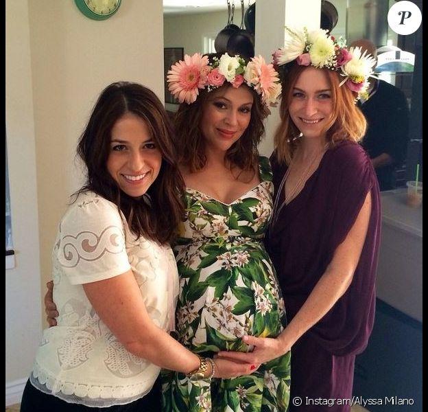 L'actrice Alyssa Milano a fêté sa deuxième baby shower entourée de ses amies, le 10 août 2014.