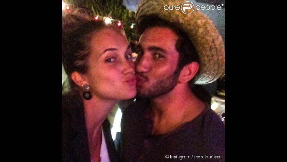 Barbara Morel, folle amoureuse de son compagnon Maxime Mermoz. Le couple est parent d'un petit garçon ! Août 2014.