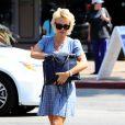 Pamela Anderson va déjeuner avec une amie à Malibu, le 29 juin 2014.