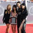 Carla DiBello, Kim Kardashian, Kendall et Kylie Jenner assistent aux MTV Video Music Awards 2014 au Forum. Inglewood, Los Angeles, le 24 août 2014.