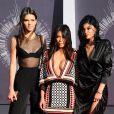 Kendall Jenner, Kim Kardashian et Kylie Jenner assistent aux MTV Video Music Awards 2014 au Forum. Inglewood, Los Angeles, le 24 août 2014.