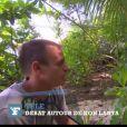 Thierry Costa vient en aide à Charles, candidat de Koh Lanta Malaisie - capture de la vidéo mise en ligne par Le Figaro