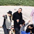 Les jeunes fiancés Ashlee Simpson et Evan Ross lors d'une session plage avec Diana Ross à Malibu, le 28 mars 2014.