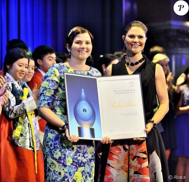 La princesse Victoria de Suède a remis le 3 septembre 2014 le Stockholm Junior Water Prize à la Canadienne Hayley Todesco lors d'une cérémonie au Grand Hotel de Stockholm.