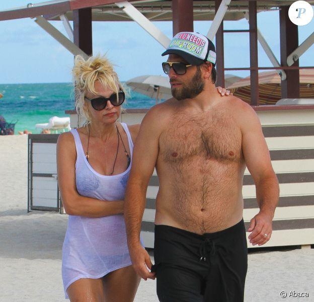 Pamela Anderson et Rick Salomon à Miami Beach, le 5 septembre 2014.