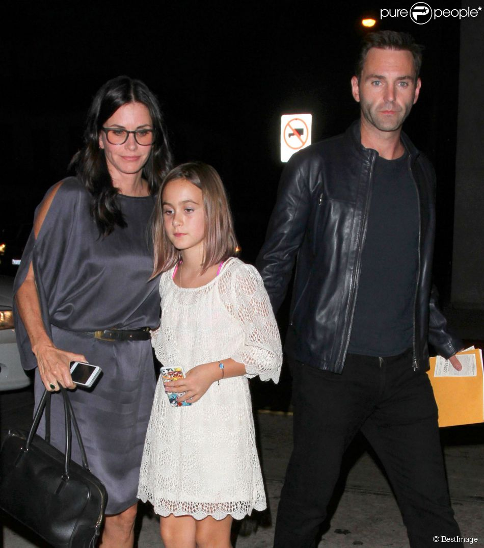 Courteney Cox, sa fille Coco Arquette et son compagnon Johnny McDaid sont allés dîner au restaurant Craig à West Hollywood. Le 10 septembre 2014.