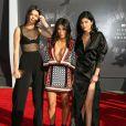 Kim Kardashian, Kendall Jenner et Kylie Jenner arrivant à la cérémonie des MTV Video Music Awards 2014 à Inglewood, le 24 août 2014.