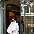 Kim Kardashian et Kanye West quittent le Royal Monceau quelques minutes après leur arrivée. Paris, le 24 septembre 2014.