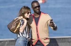 Charlotte Gainsbourg et Omar Sy : Complices en mode selfie sur un air de 'Samba'
