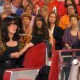 Isabelle Adjani sur le plateau de Vivement Dimanche prochain avec Michel Drucker, France 2, le 28 septembre 2014. (capture d'écran)