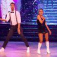 Joyce Jonathan et Julien Brugel - Prime de Danse avec les stars 5 sur TF1. Samedi 4 octobre 2014.