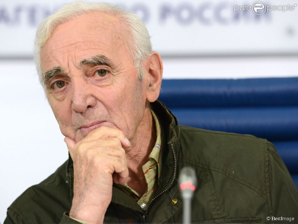 Charles Aznavour tient une conférence de presse à Moscou, le 2 octobre 2014 avant son concert au Crocus à Moscou le 3 octobre.