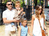 Jessica Alba avec son mari et ses filles Honor et Haven pour une journée détente