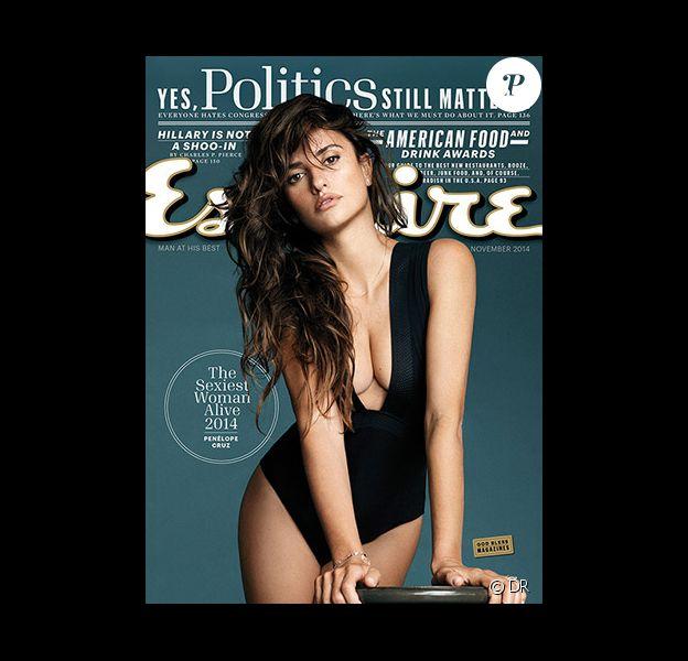 Penelope Cruz en couverture du magazine Esquire, qui l'a élue Femme la plus sexy, daté du mois de novembre 2014.