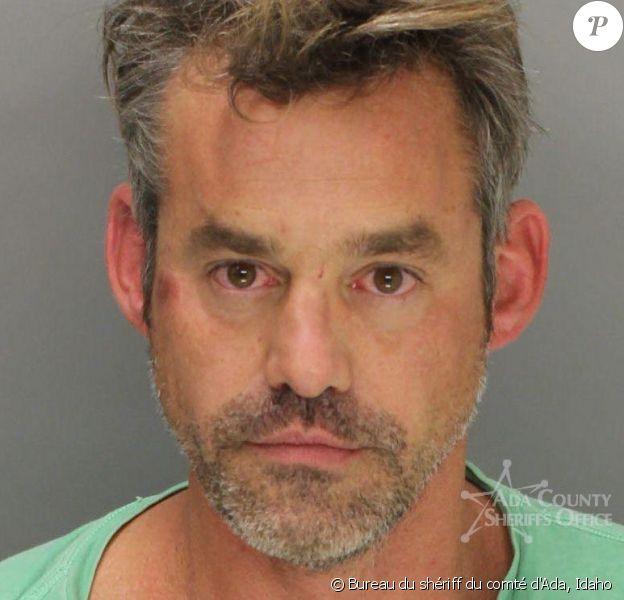 Mugshot de Nicholas Brendon, ex-star de Buffy contre les vampires et star d'Esprits criminels, après son arrestation par la police de Boise, Idaho, suite à un incident dans un hôtel le vendredi 18 octobre 2014. Photo du Bureau du shériff du comté d'Ada.