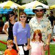 Elizabeth Peña et sa famille à Los Angeles, le 1er juillet 2002.