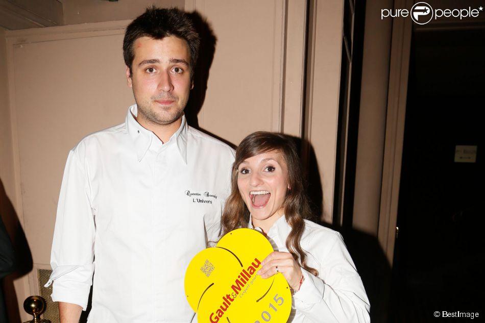 Les jeunes mariés Quentin Bourdy (Top Chef 2013) et Noëmie Honiat (Top Chef 2012 et 2014) lors de la soirée de lancement du guide Gault et Millau 2015 au Trianon à Paris le 27 octobre 2014