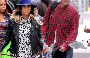 Tommy Lee assagi : Le rockeur se la coule douce avec sa belle fiancée Sofia
