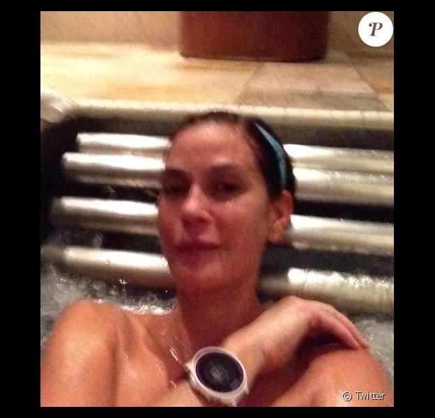 Teri Hatcher se relaxe avant le marathon de New York le 2 novembre 2014