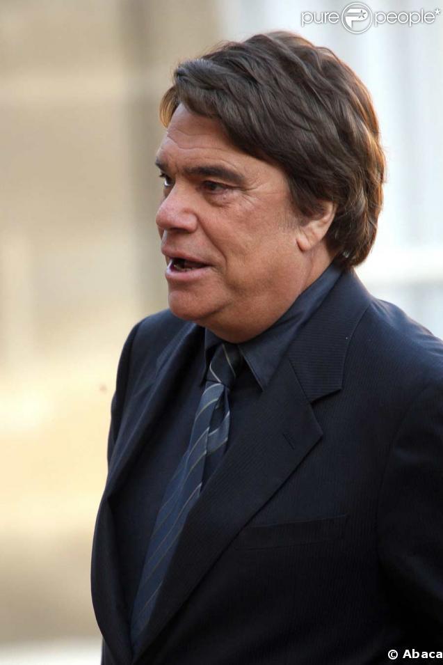 Bernard Tapie reprend le rôle de Bernard Farcy à Paris