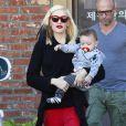 La rockstar Gwen Stefani sort de son rendez-vous d'acuponcture avec son fils Apollo à Los Angeles, le 21 novembre 2014
