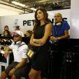 Linda Hamilton, Nicolas Hamilton et Nicole Scherzinger dans le garage de l'écurie Mercedes lors du Grand Prix d'Abou Dhabi, le 23 novembre 2014