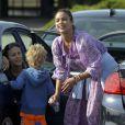 Exclusif - Paula Patton avec son fils Julian dans un parc à Malibu, le 23 novembre 2014.