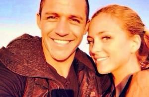 Alexis Sanchez (Arsenal) : En couple, il drague Miss Chili... qui balance tout