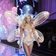 Karlie Kloss - Défilé Victoria's Secret à Londres, le 2 décembre 2014.