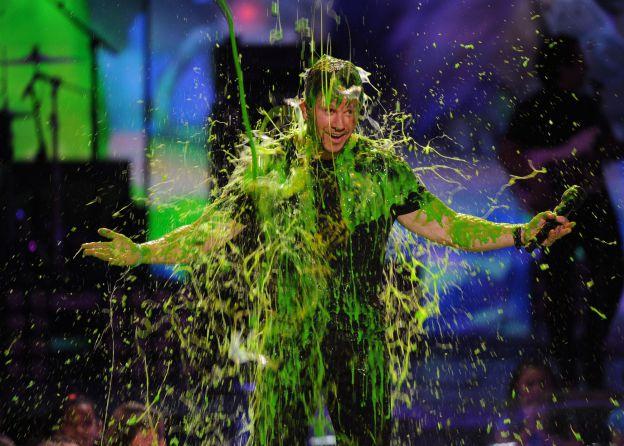 Mark Wahlberg couvert de slime sur la scène des Nickelodeon Kids Choice Awards à Los Angeles le 29 mars 2014. ©Abaca Press
