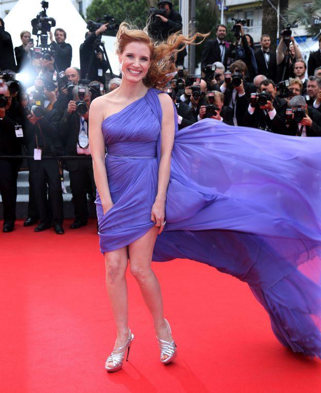 Jessica Chastain passe à côté de l'accident de robe le 19 mai 2014 sur le tapis rouge du 67e Festival de Cannes. - ©Abaca Press