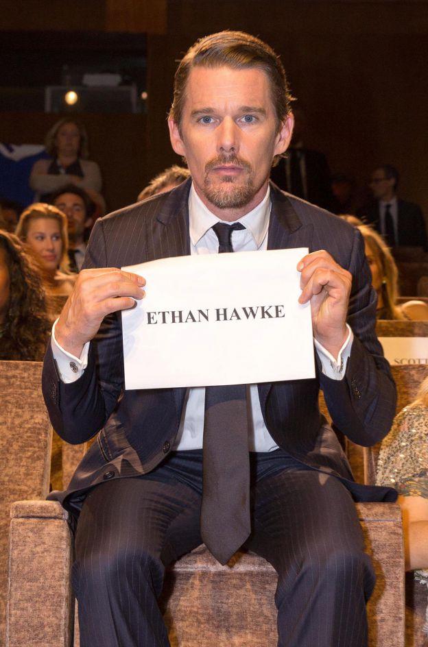 Ethan Hawke s'est bien assis à la bonne place lors du 71e Festival du Film de Venise le 5 septembre 2014. ©Abaca Press
