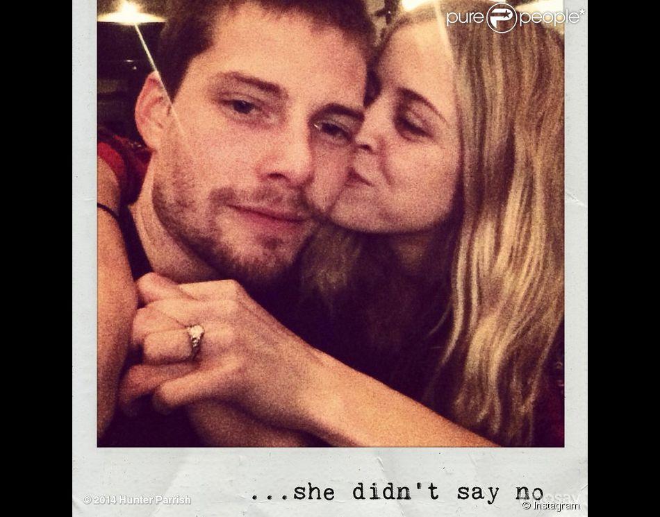 Hunter Parrish et Kathryn Wahl sont fiancés !