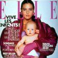 Juin 1988 : à 24 ans, Monica Bellucci réalise la couverture du magazine Elle.
