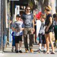 Kate Hudson et Matt Bellamy avec leurs enfants à Santa Monica le 4 septembre 2014