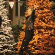 Exclusif - Hailey Baldwin, en quête d'un sapin de Noël avec son amie Kendall Jenner. Los Angeles, le 17 décembre 2014.