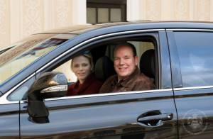 Charlene et Albert de Monaco : Leur arrivée au Palais pour fêter Noël en famille