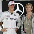 Michael Schumacher et son attachée de presse Sabine Kehm à Sao Paulo au Brésil le 25 novembre 2012