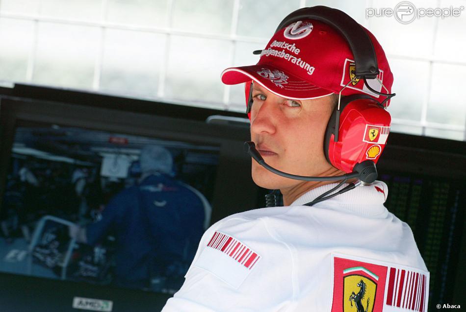 Michael Schumacher dans les stands de la Scuderia Ferrari sur le circuit Gilles Villeneuve de Montreal, le 9 juin 2007