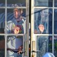 Exclusif - Patrick Schwarzenegger porte un sweat créé par sa petite-amie Miley Cyrus, le 9 janvier 2015, alors qu'il va boire un verre avec des amis à Los Angeles.